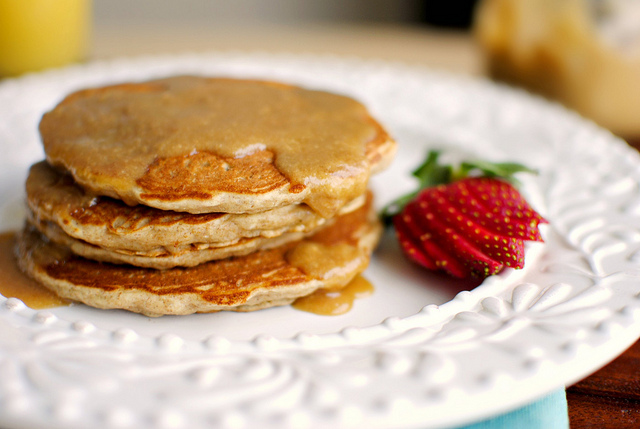 whole wheat banana oatmeal pancakes l simplyscratch.com