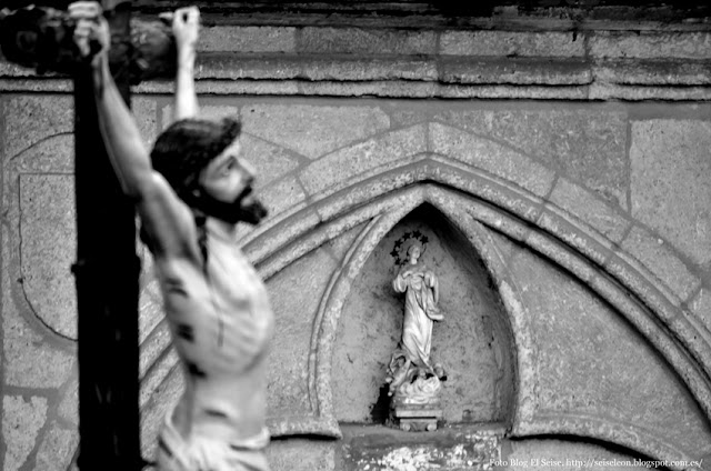 Señor del paso de la Crucifixión. Cofradía del Dulce Nombre de Jesús Nazareno. León. Foto. G. Márquez. 2015