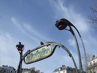 Fond d'écran avril 2011 - Bouche de métro Hector Guimard