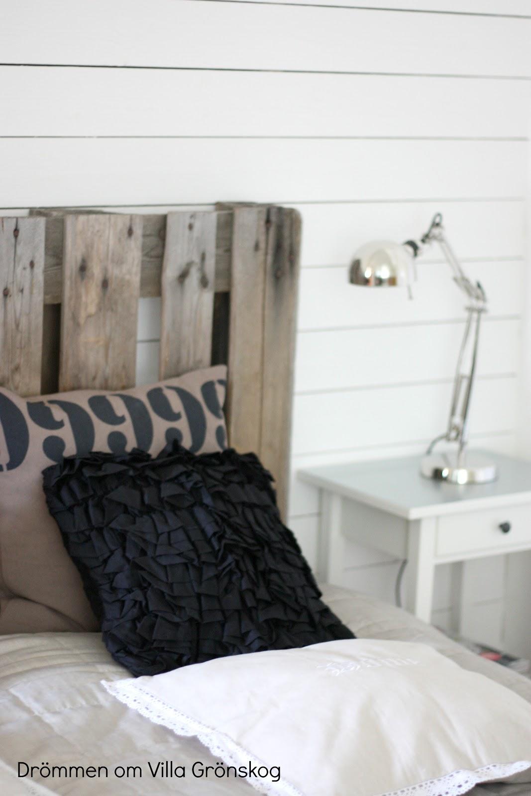 Drömmen om villa grönskog: sovrum....