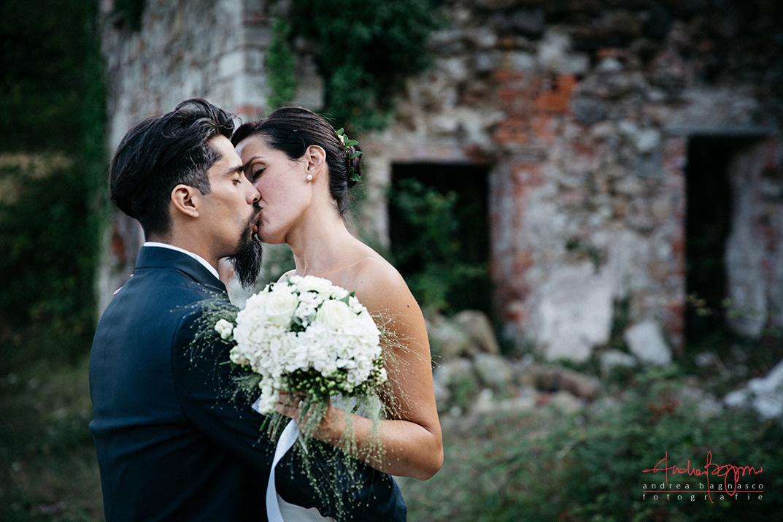 bacio sposi country wedding