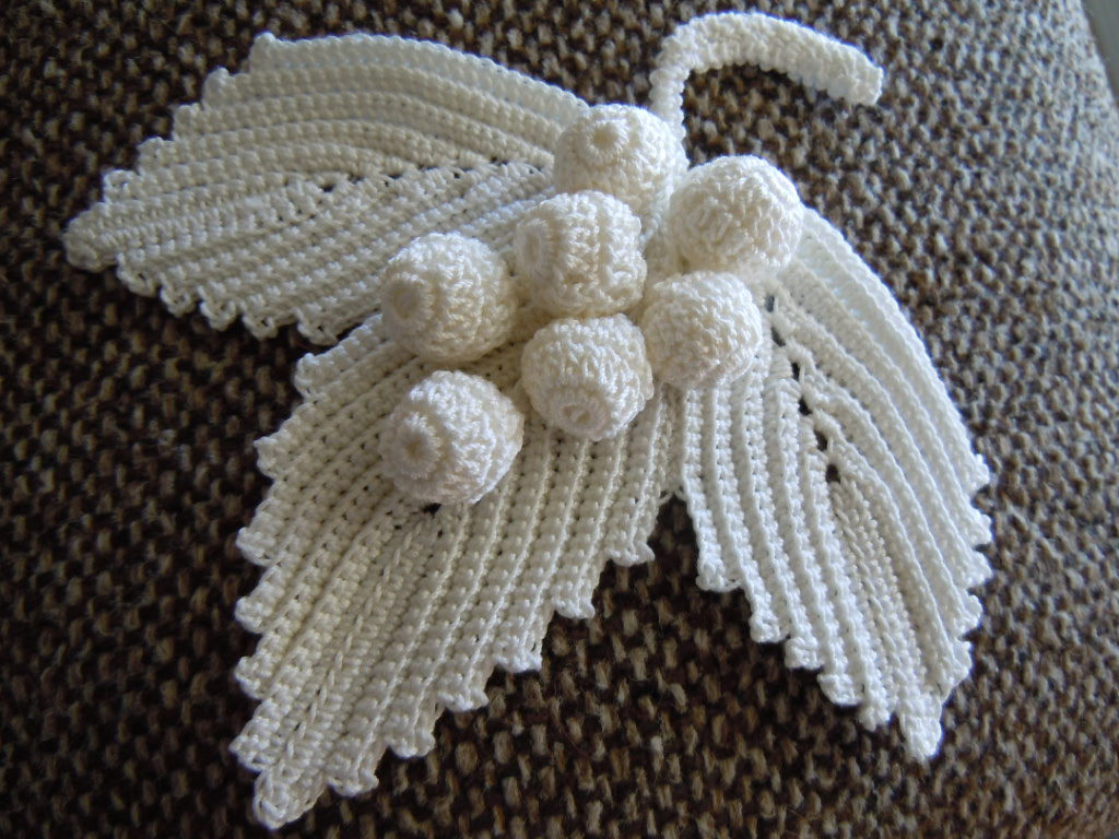 irish crochet leaves Crochet Pinterest