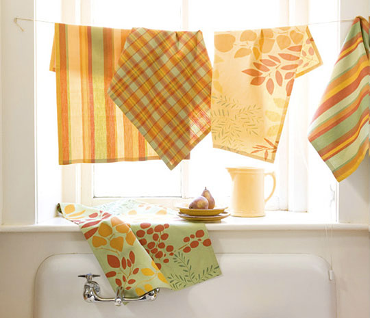 Tea Towel Kitchen Curtains: Picking Daisies Modern Quilting, Sewing, Fabric + Napkins