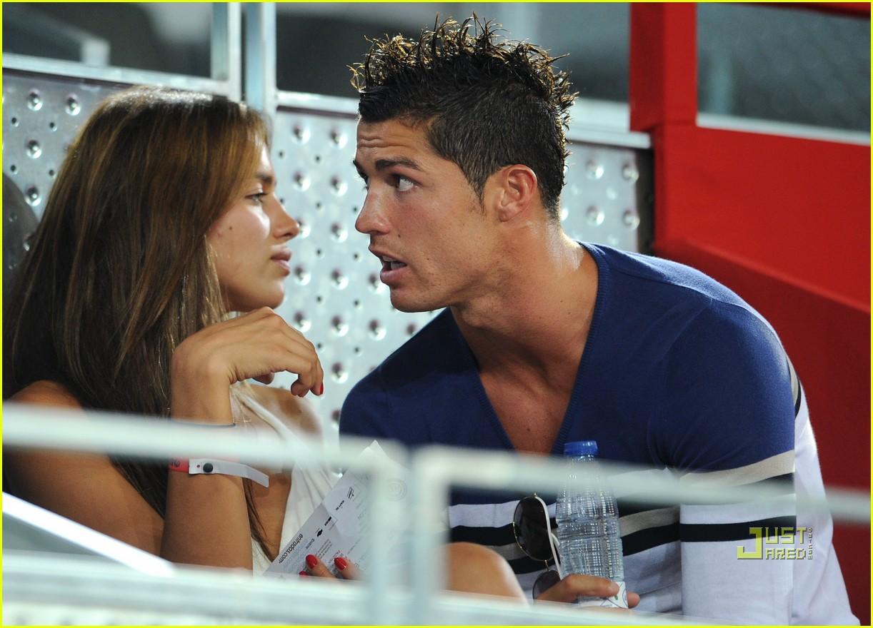http://2.bp.blogspot.com/-rxGZPMA-DuY/UBI0AtlW3oI/AAAAAAAABCc/B7oOLQRF_4k/s1600/c+ronaldo+girlfriend+2012+03.jpg
