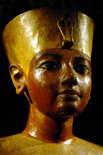 egypt s guardian king khufu Explore a pharaoh's boat in 1954, an egyptian archeologist discovered an immense, beautifully crafted ship buried in pieces right beside the great pyramid of khufu.