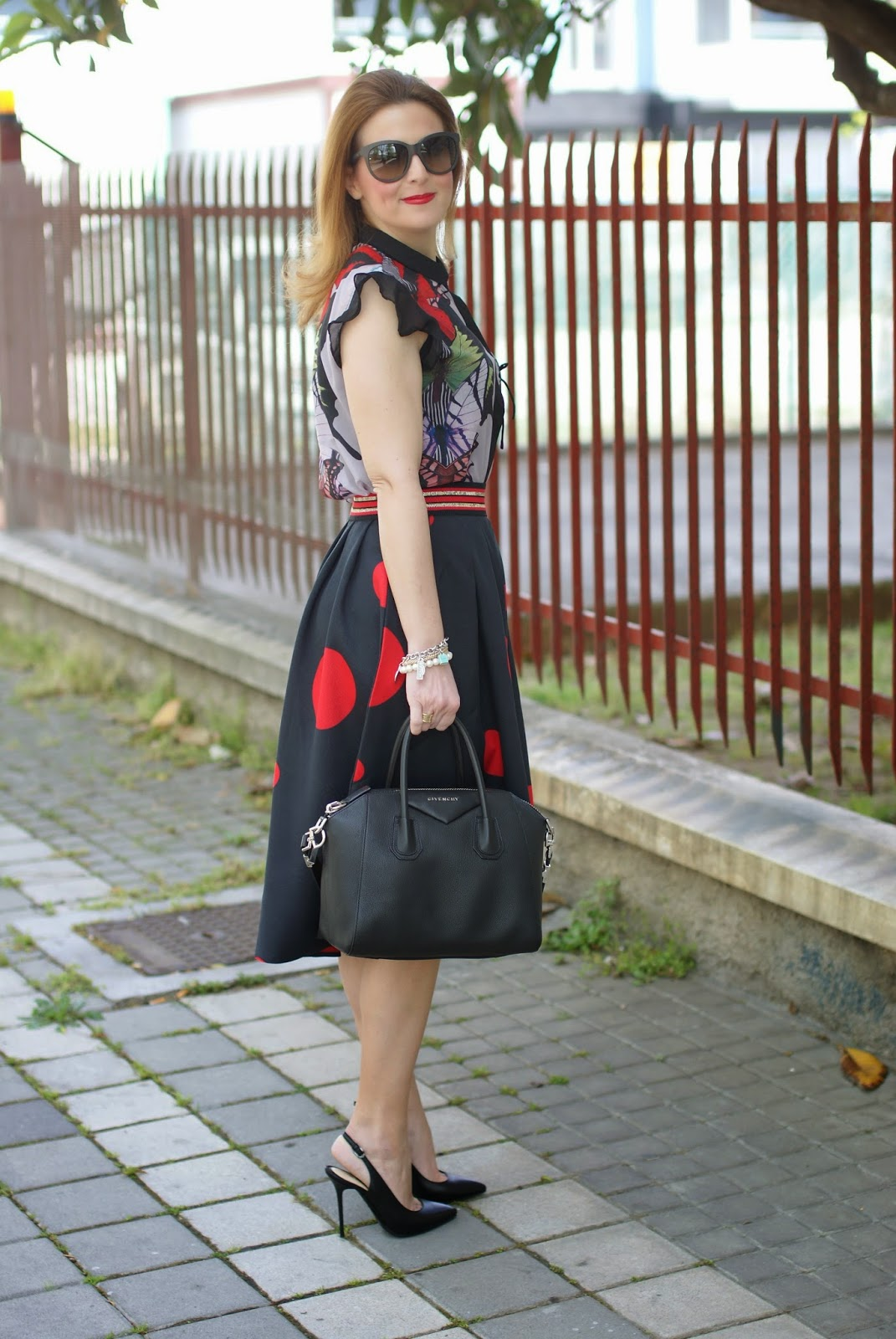 Smash! Saura blouse, Zaful polka dot skirt, Michele Muzi shoes, large polka dot print, mix of prints on Fashion and Cookies fashion blog, fashion blogger style