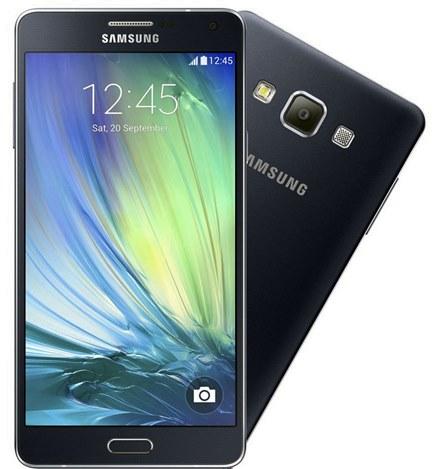 Samsung GALAXY A7 traz um design elegante e inovador e uma tela de alto brilho sAMOLED HD de 5.5 polegadas