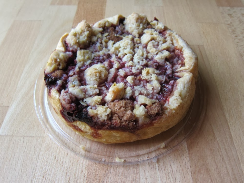 ReviewTrader JoesPetite Mixed Berry Tart Brand Eating