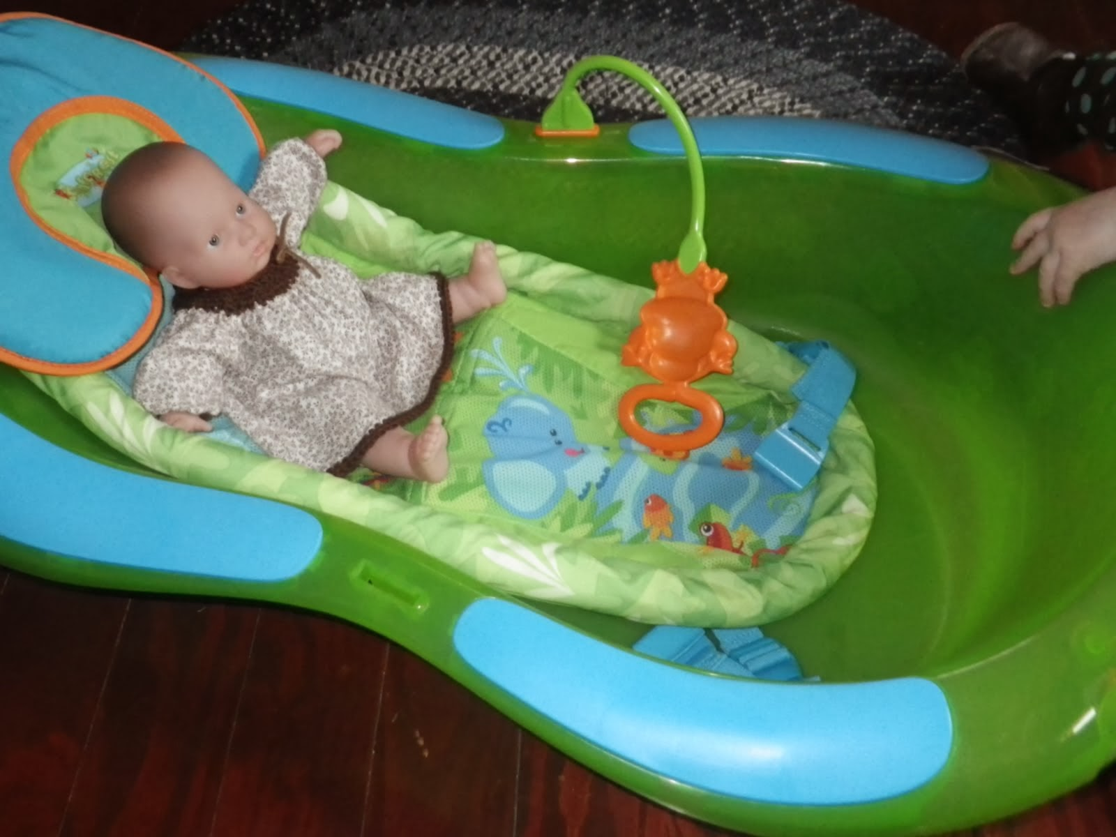 Naturally Inquisitive Mother: Bath Time! : Review of Fisher Price ...