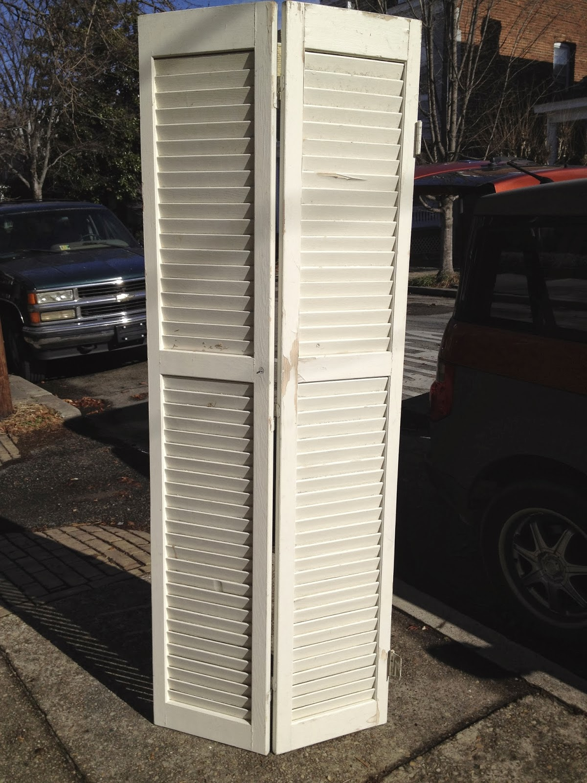 1600 #9B4330 SheShe The Home Magician: Old Louvered Closet Door Becomes Headboard pic Louvered Exterior Doors Metal 39111200