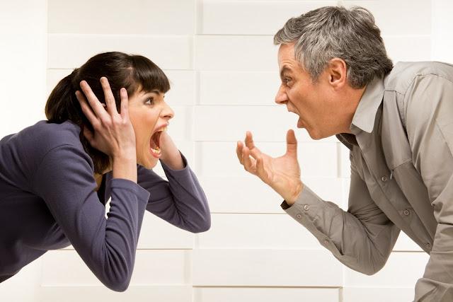 Resolvendo conflitos no casamento, concentrando-se em soluções
