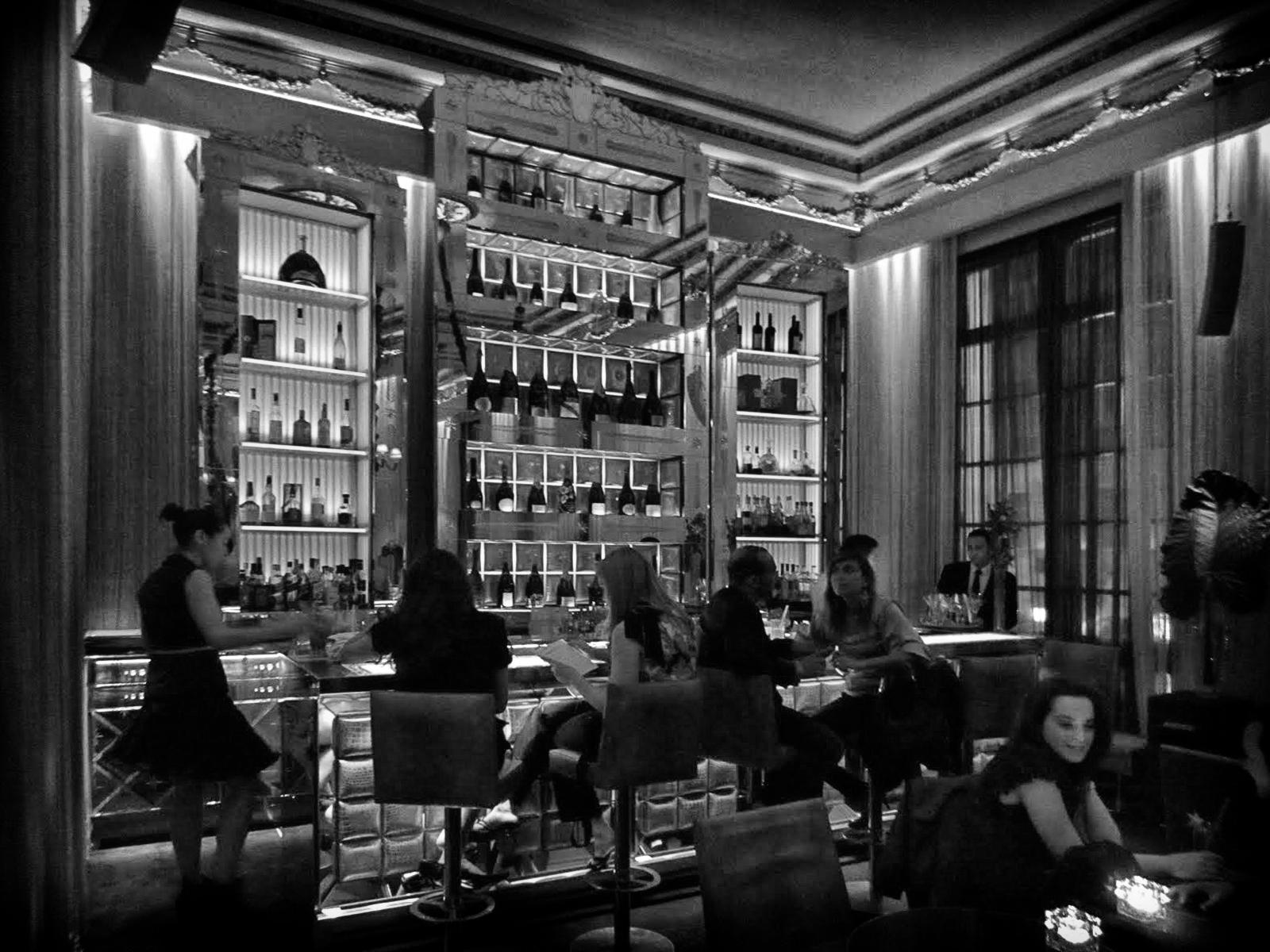 Paris fvdv paris cocktail for Bar interieur