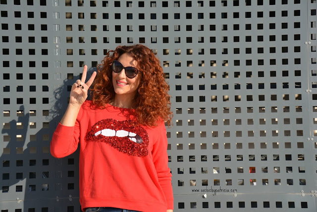 So chic by Patricia_Red Sweatshirt