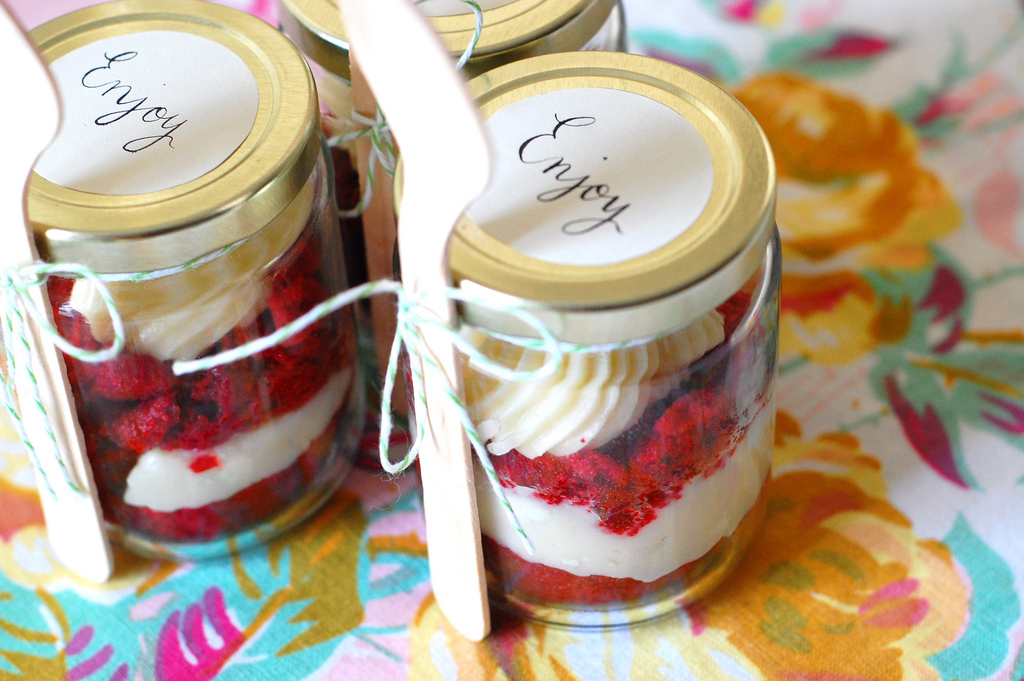 And who can resist Red Velvet Cupcakes in a Jar…these would be ...