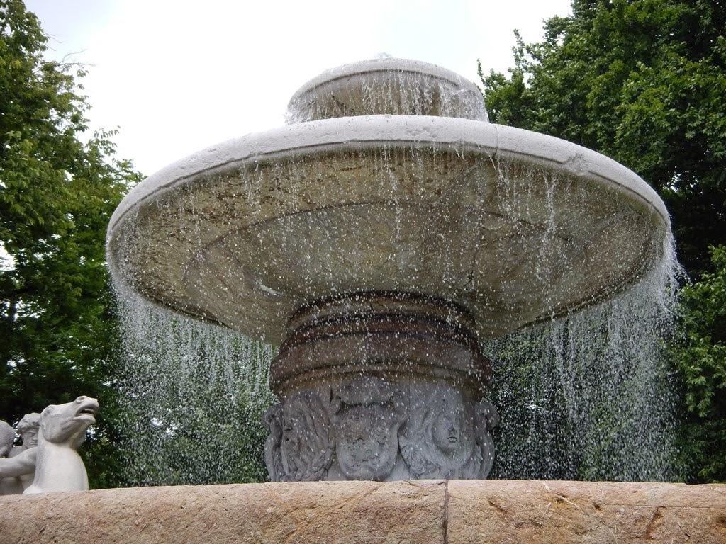 Wittersbacher Brunnen Lenbachplatz Munchen