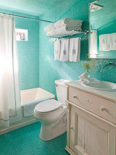 Decorating small bathrooms