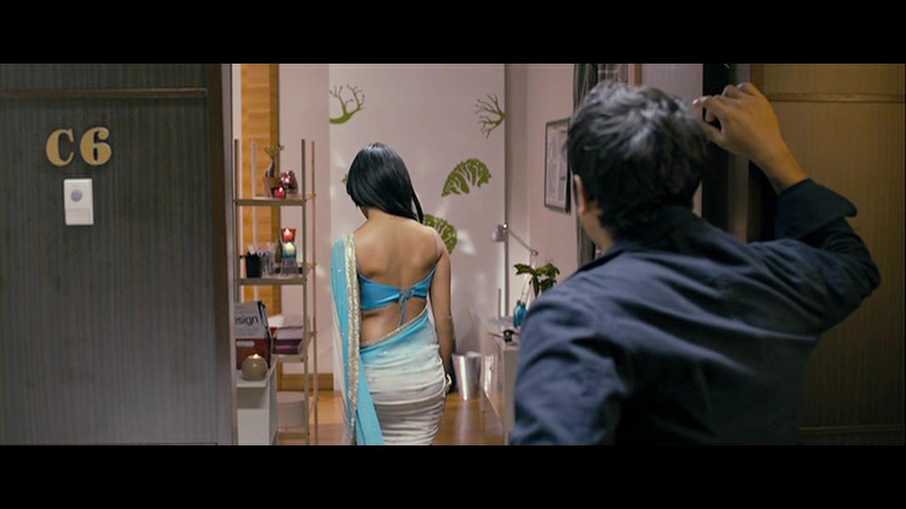 Desi Celebs Hot: Priya Anand Sexy Hips in Saree and hot Kiss scene