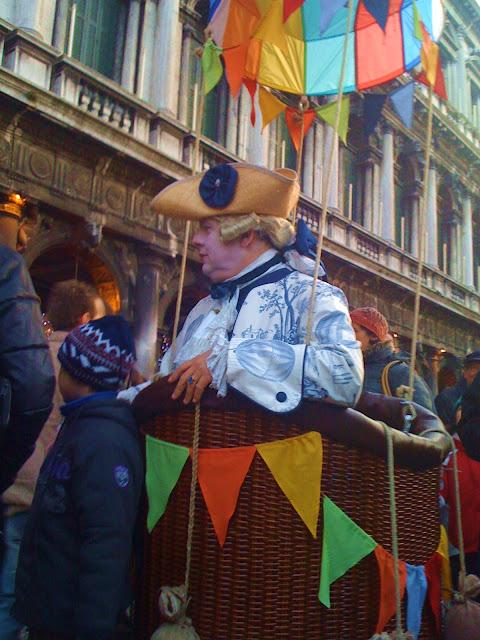maschera in piazza San Marco