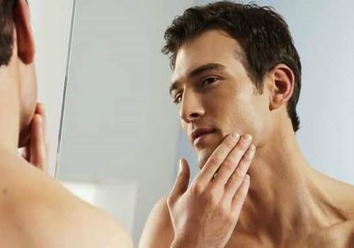 Điều trị mụn đầu đen hiệu quả cho nam giới