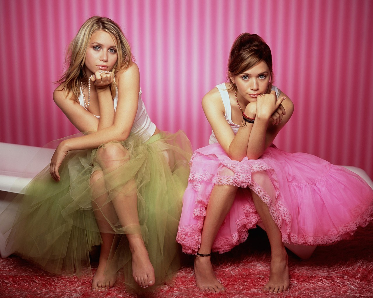 Mary kate and ashley nude pics #15