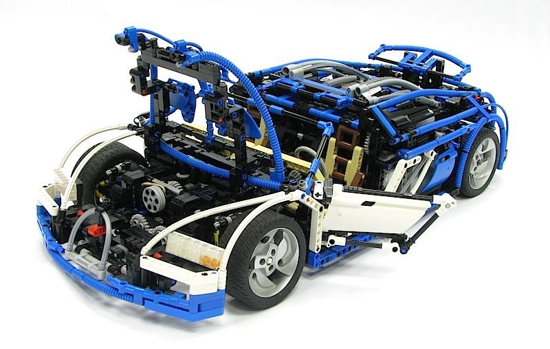 【動画】LEGOで再現されたスーパーカーの完成度が高すぎる ブガッティ・ヴェイロン