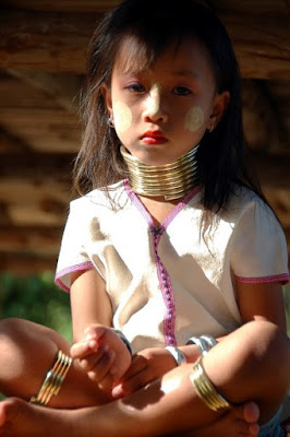 Bộ Tộc Cổ Dài Vùng Tây Bắc Thái Lan Co+dai+thai+lan+2