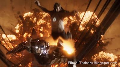 Tony Melompat Masuk Mengenakan Kostum Iron Man