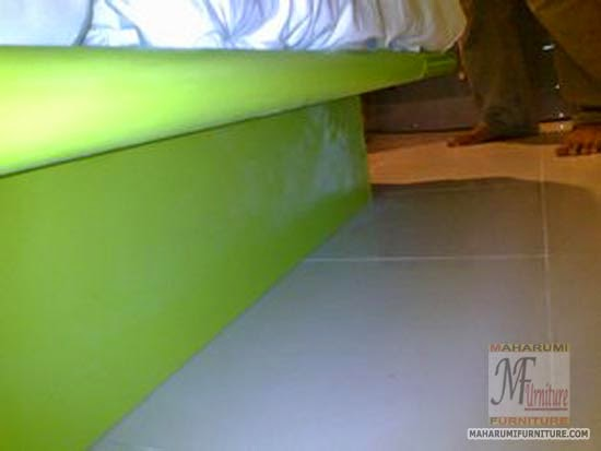 Projects Hotel Pop Tebet Jakarta: Rangka Bodi kaki Sofa Bed Samping Tempat Tidur Finishing Cat Duco View Kamar Hotel