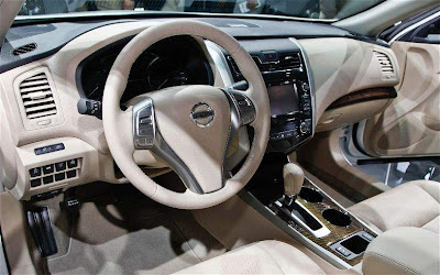2013 Rissan Altima Interior