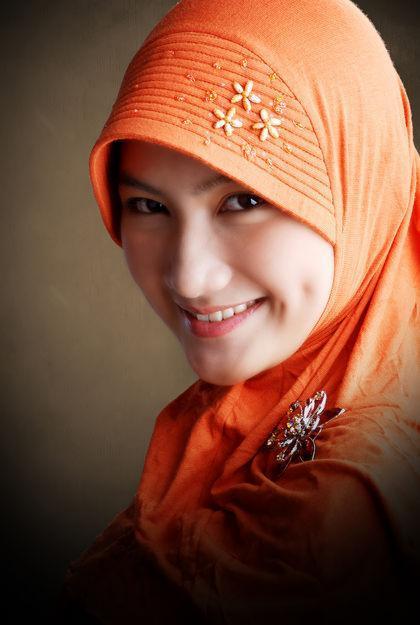 Tips Terbaik Tampil Cantik Menggunakan Hijab