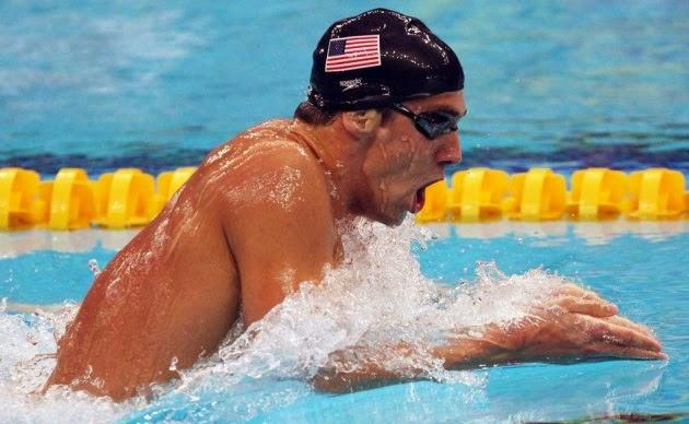 Pelajari Cara Menggunakan Gaya Dada yang Benar Ketika Berenang