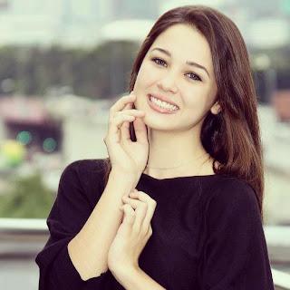 emma maembong bercium - photo #8