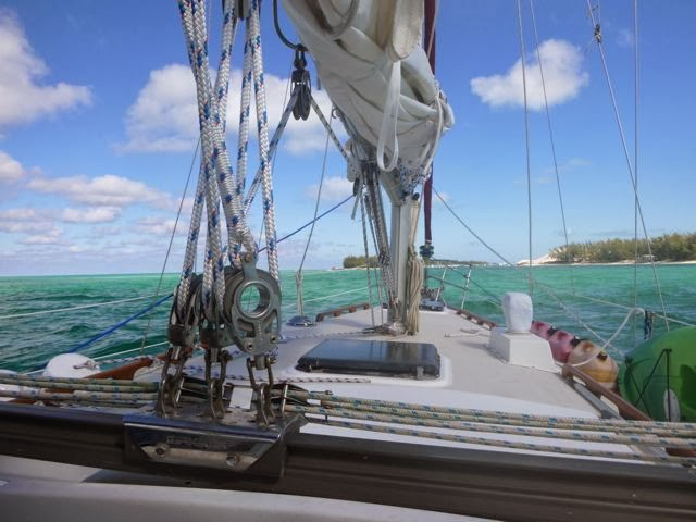 sailing in the bahamas