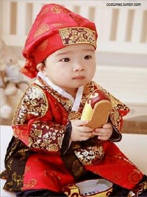 Photo bébé japonais qui porte un Kimono de Kiru