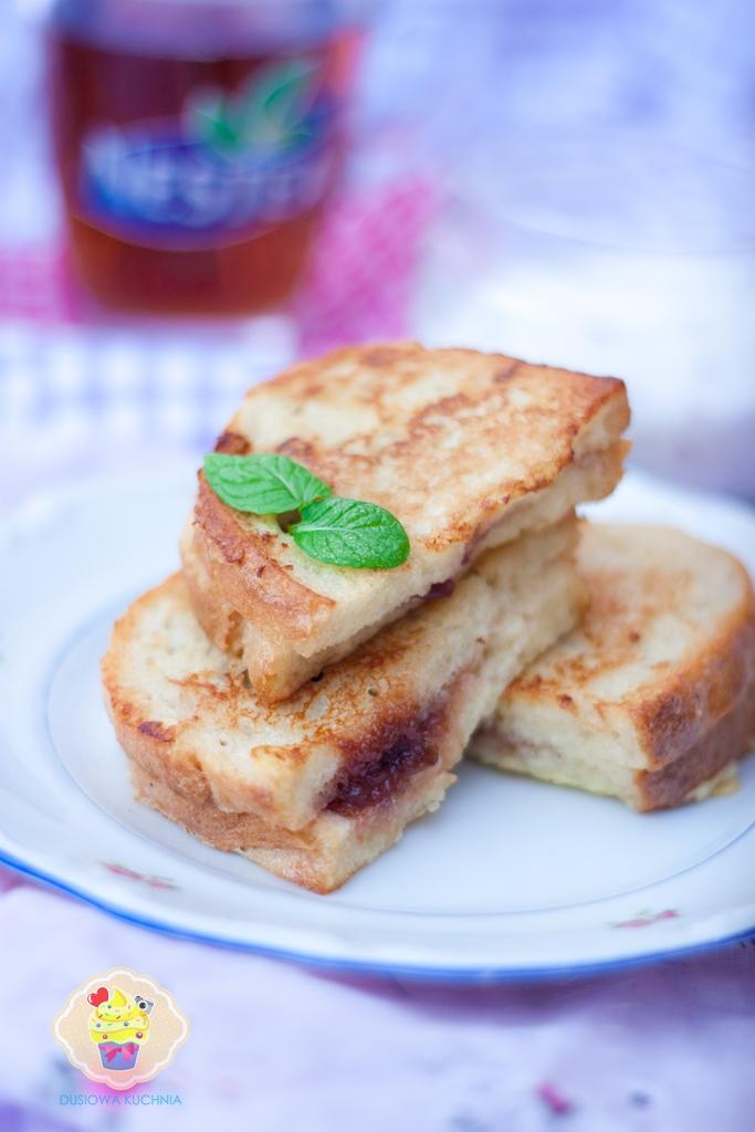 tosty śliwkowe, tosty z lawendą, tosty z powidłami śliwkowymi