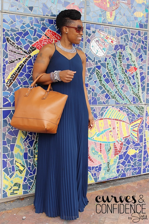 how to wear a long flowing maxi dress, victoria secrets pleated maxi dress