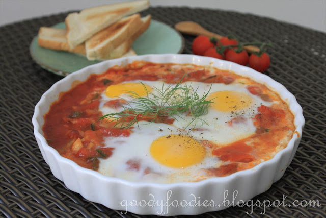 ... : Recipe: Spanish-style baked eggs (Vegetarian) (Curtis Stone