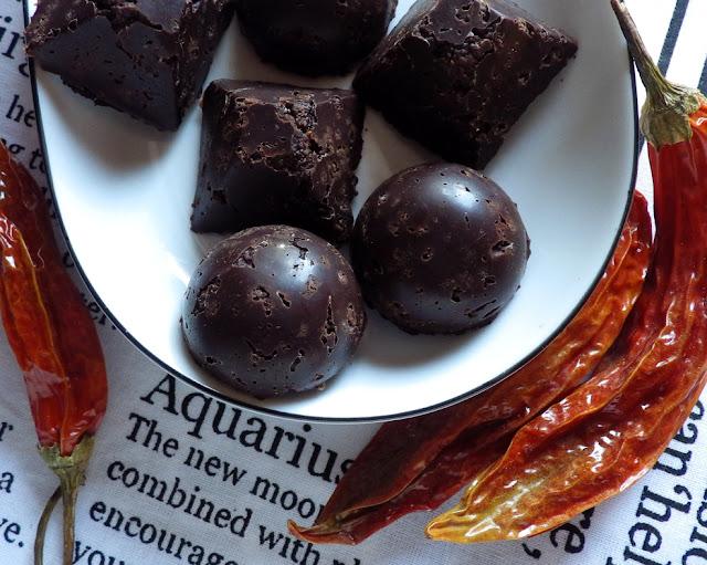 czekolada bezglutenowa z chili i quinoą