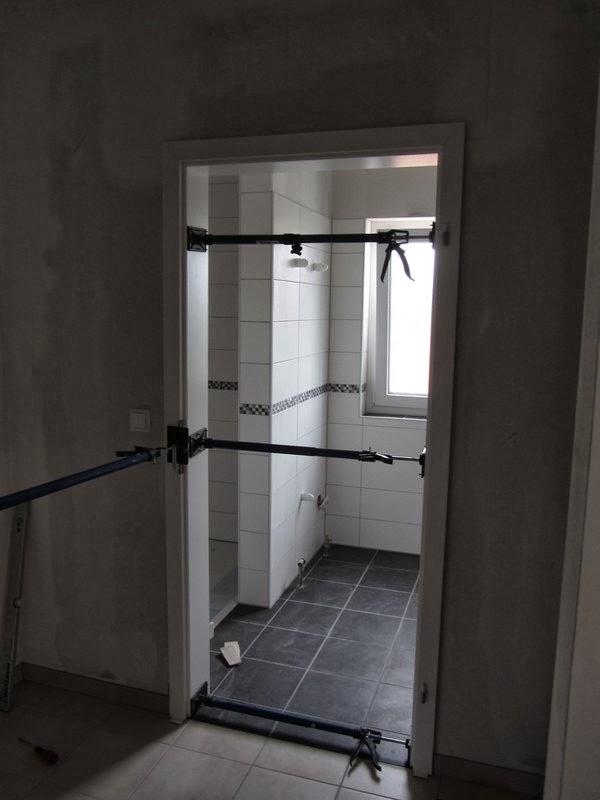 Unser Hausbau mit OKAL: Ende Fliesenarbeiten, Badewanne, erste ...