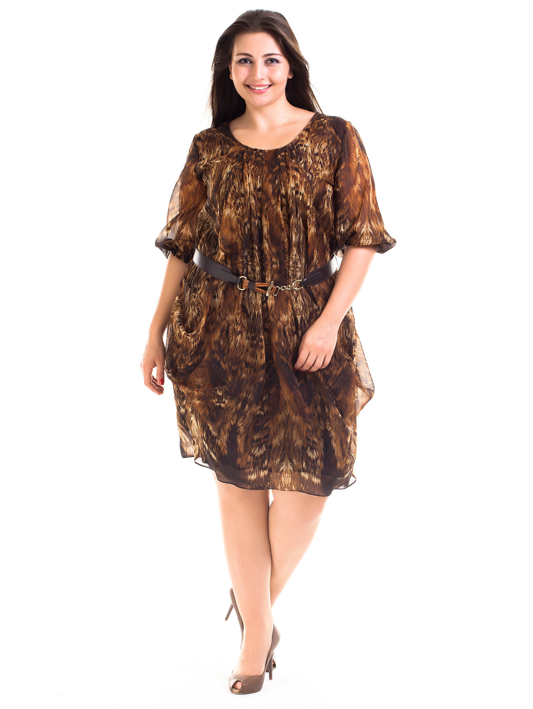 Discover the whole range of Simply Be's plus size dresses from plus size maxi and shift to work and formal. No matter whether you're looking for seasonal sun or party dresses, something to shake up a formal event and special occasion or a classic, all year round maxi dress, we got something for you.