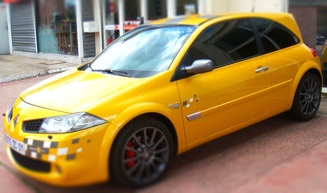 vitre teint e confort glass renault megane jaune vitres teint es par confort glass sur lyon. Black Bedroom Furniture Sets. Home Design Ideas