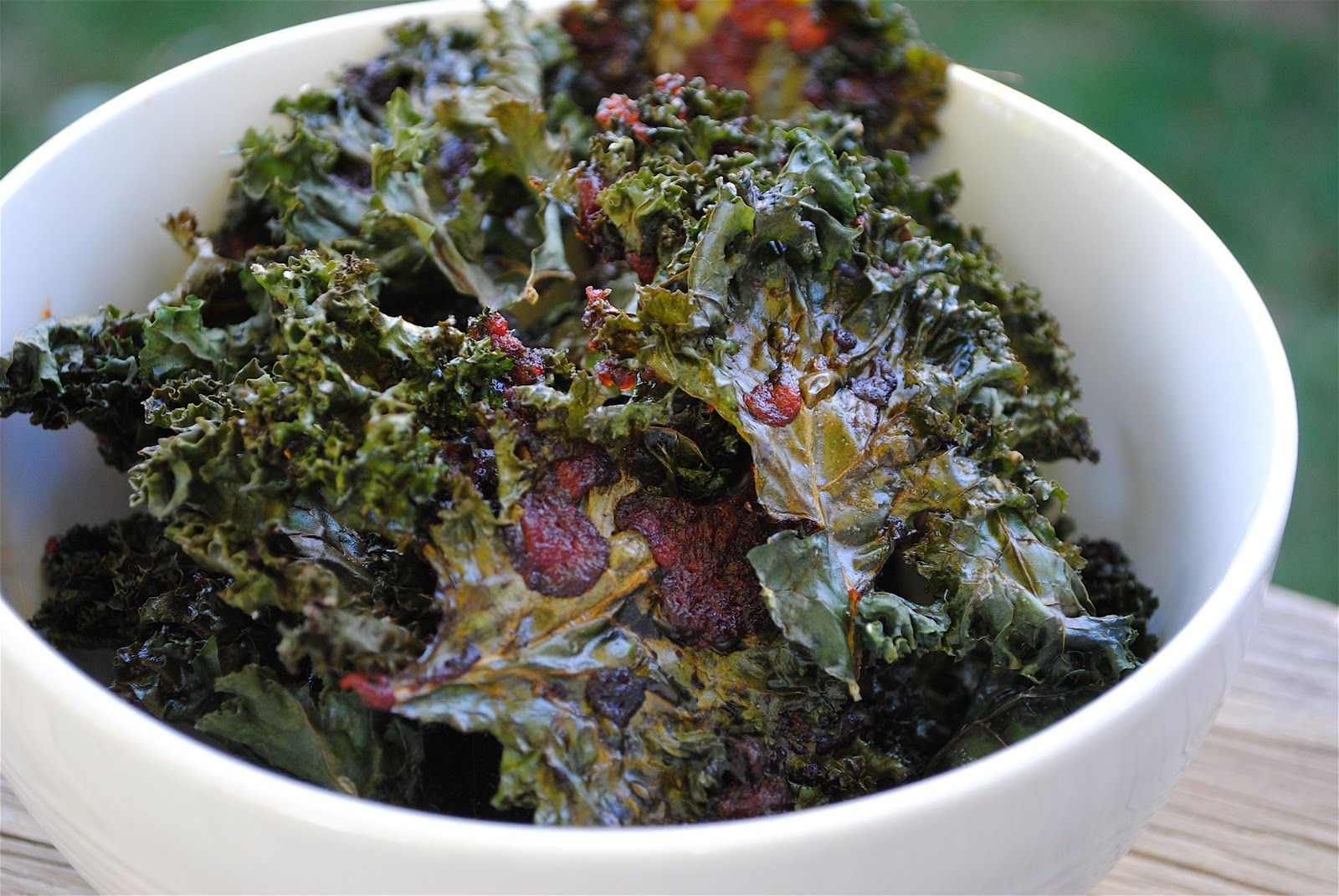 Recipe Doodle: CHILI SAUCE KALE CHIPS