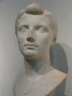Antonia Minor, hija  de Marco Antonio y Octavia  - a. 36 a.C.- 38d. C. (2)