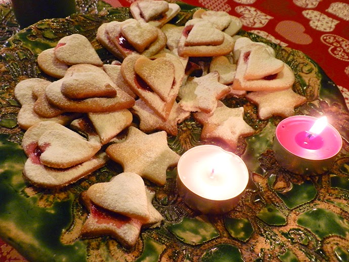 A Guide to Homemade Christmas Cookies: White Christmas Hearts & Stars