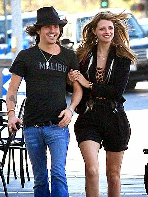 Chatter Busy: Mischa Barton Dating Mischa Barton Dated