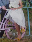 As fotos levam a assinatura de Zuleika de SouzaCBD.A.Press. (sapato noiva marianna machado revista do correio capa foto zuleika de souza cb)