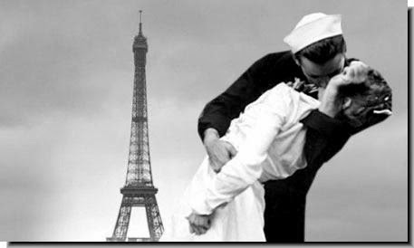 GI kisses French girl Paris