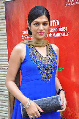 shraddha das at manepally jewellers shraddha das new actress pics