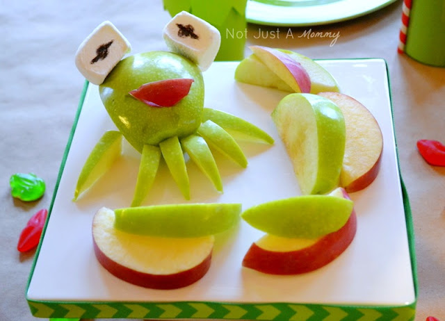 Kiss Me I'm Green Kermit The Frog Valentine's Day/St. Patrick's Day party apples