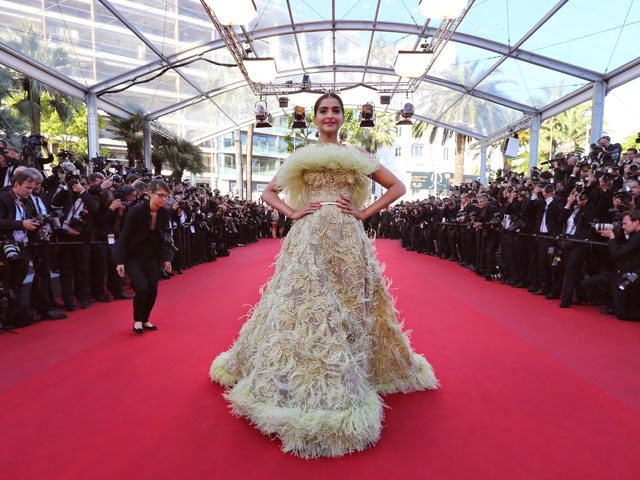 Cannes 2015: Sonam Kapoor's Red Carpet Dress #2 is Elie Saab